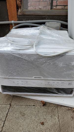 Toshiba window AC unit for Sale in West Linn, OR