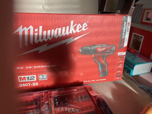 M12 3/8 drill/driver kit for Sale in Houston, TX
