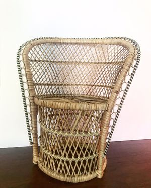 Wicker Peacock Plant/Doll Chair for Sale in Mesa, AZ