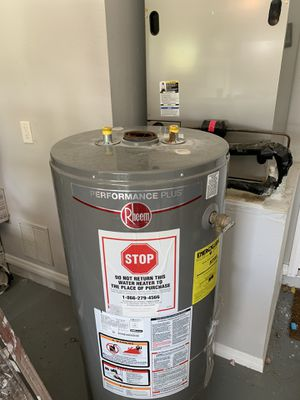 New never used water gas heater 50 gallons paid $499 for Sale in Alafaya, FL