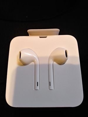 Brand New* Apple Earpods with Lightning Connector for Sale in West Covina, CA
