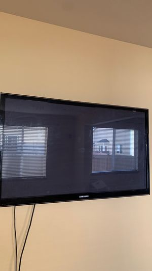 55inch Tv Samsung smart tv need it gone Rn for Sale in Kent, WA