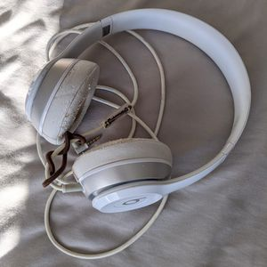Beats Solo Headphones *HEAVILY USED* for Sale in Naperville, IL