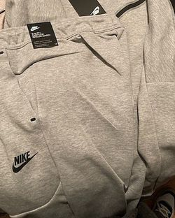 Mens Gray Nike Tech Sweatpants, Size Large for Sale in Stonecrest,  GA