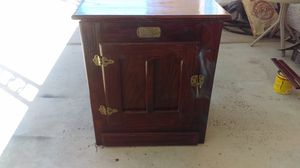White clad wooden Ice chest! for Sale in North Las Vegas, NV