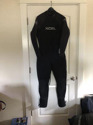 Men's size medium Xcel wetsuit for Sale in Ocean Shores, WA