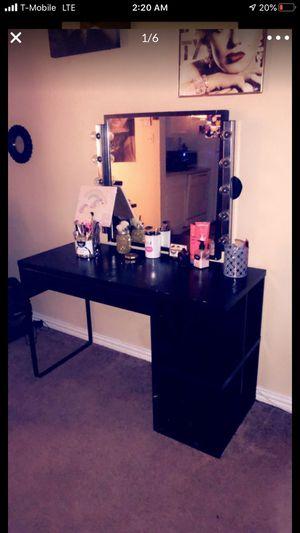 Women Makeup vanity for Sale in Houston, TX