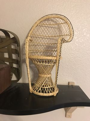 Mini peacock chair plant holder for Sale in Gilbert, AZ