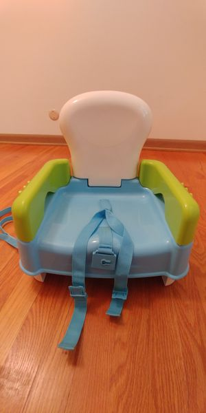 Booster seat for Sale in Davenport, IA