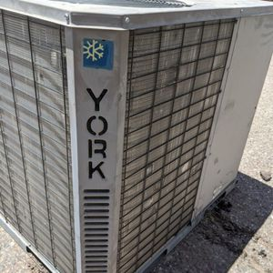 """2011 YORK 5 TON AC PACKAGE UNIT HEAT PUMP. R410a """"Brand New"""" for Sale in Tempe, AZ"""
