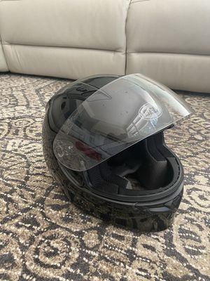 bell qualifier motorcycle helmet//medium size for Sale in Vancouver, WA