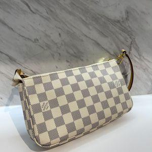 Authentic Louis Vuitton Damier Azur Pochette Accessoires Shoulder Bag for Sale in Miami, FL