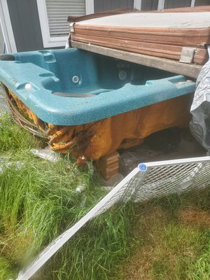 Free hot tub for Sale in Seattle, WA