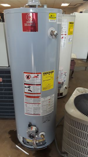 New state select 40 gal hot water heater for Sale in Detroit, MI