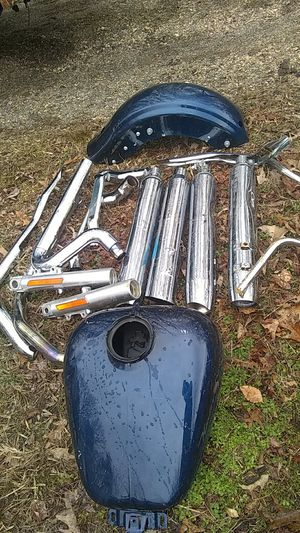 Motorcycle parts mufflers tank and stuff Harley-Davidson for Sale in UPPR MARLBORO, MD