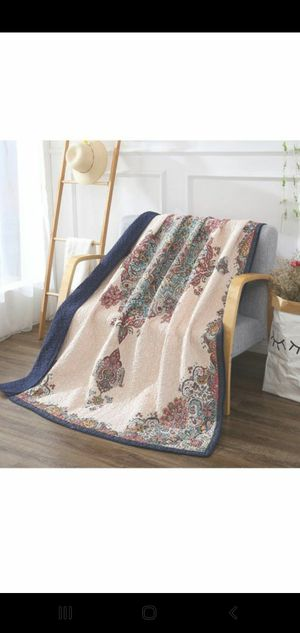 "Quilted throw blanket 60""x78"" for Sale in Las Vegas, NV"
