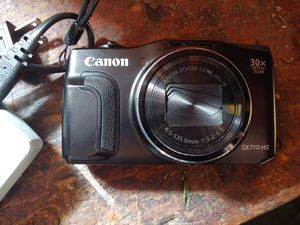 Canon sx710hs for Sale in Fresno, CA