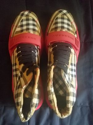 Burberry Shoe Size 8 1/2 Men for Sale in Mayfield, KY