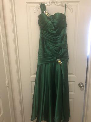 Emerald green formal dress for Sale in Alexandria, VA