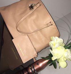 Tommy Hilfiger Tote Bag for Sale in Nashville,  TN