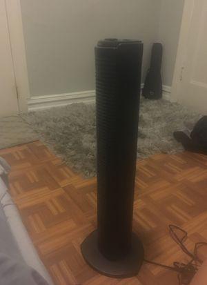 "31"" Holmes tower fan for Sale in Edgewater, NJ"