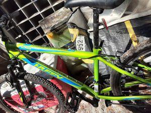Mens 24 inch huffy mountain bike for Sale in Austin, TX