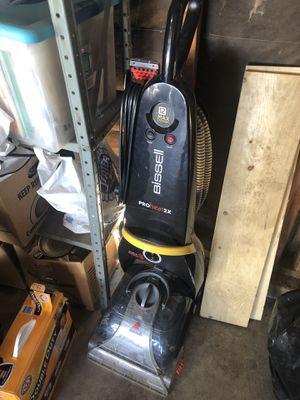 Bissell Proheat 2x carpet shampooer for Sale in Oak Glen, CA