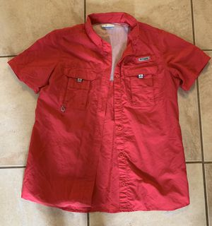 Size small Columbia shirt for Sale in Davenport, FL