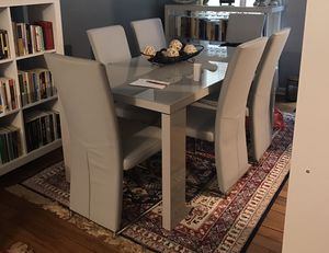 Like new dining room, book shelves & kitchen table for Sale in Dearborn, MI