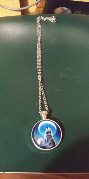 New! Wolf howling at the moon necklace for Sale in Brainerd, MN