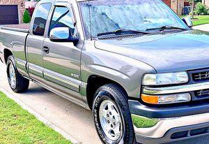 ֆ12OO 4WD CHEVY SILVERADO 4WD for Sale in Arlington, TX