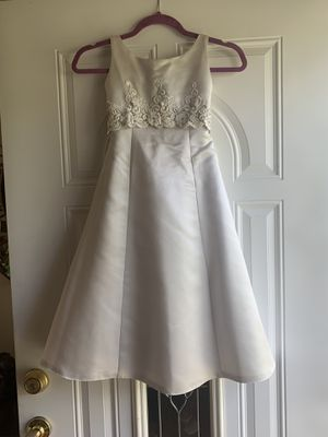 Silver Flower Girl Dress Size 6 for Sale in Lanham, MD