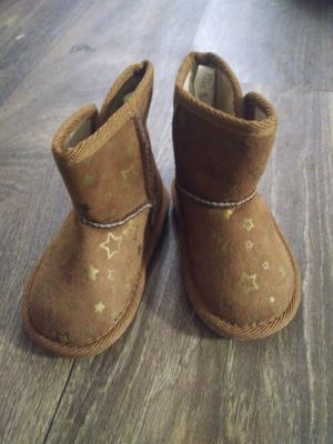 Baby girl boots size 3 for Sale in Smyrna, GA