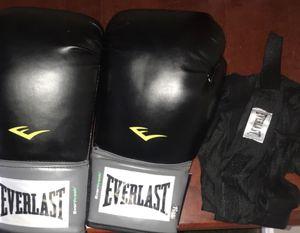 Everlast Boxing Gloves W/ Straps for Sale in Woodbridge, VA