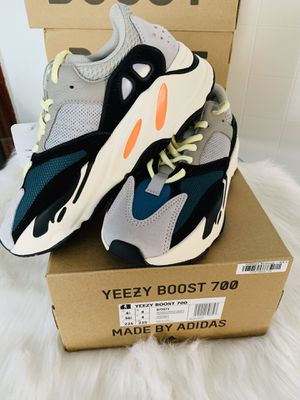 Yeezy Wave Runner 700 for Sale in Cleveland, OH