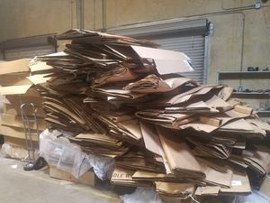 FREE cardboard to recycle approx 600-700lbs pick up in Arlington near AT&T stadium for Sale in Arlington, TX