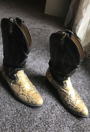 Snake boots handmade size 10.5 for Sale in Grand Prairie, TX