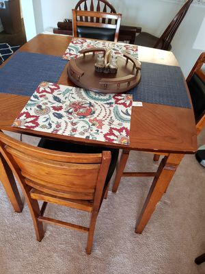 Wooden table & 4 chairs for Sale in Dundee, FL