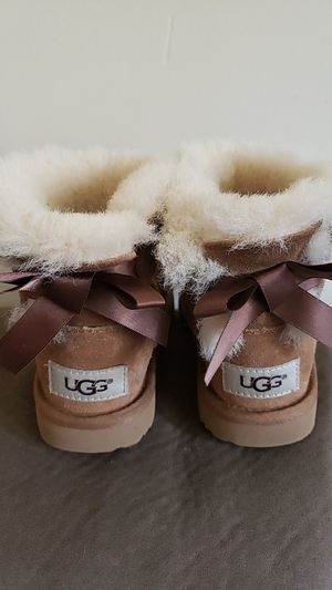 Toddler Girls Authentic Ugg boots sz 8 for Sale in West Berlin, NJ