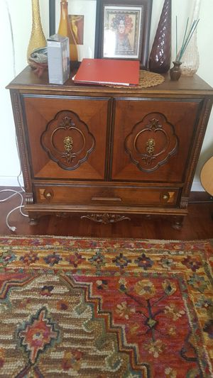 VINTAGE CABINET-GREAT CONDITION for Sale in Aurora, CO