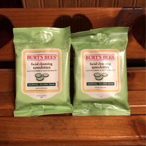 2 Burt's Bees Facial Cleansing Towlettes for Sale in Hamburg, NY