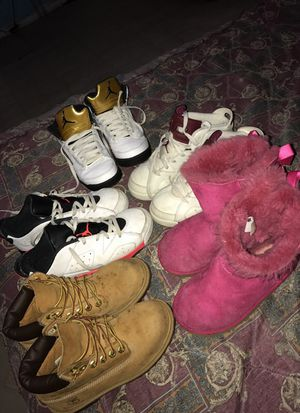 Maroons timbs uggs 6s 5s low6s for Sale in Dallas, TX