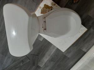 tasa de baño completa....solo instalar for Sale in Hialeah, FL