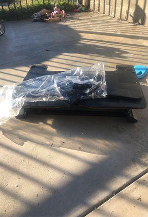 Free computer desk for Sale in La Puente, CA