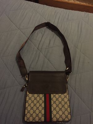 gucci bag trade for iphone for Sale in Riverdale, MD
