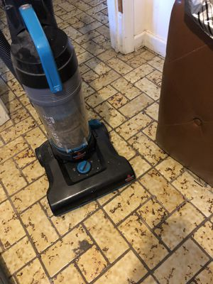Bissell Powerforce 12 amp vacuum cleaner for Sale in Swampscott, MA