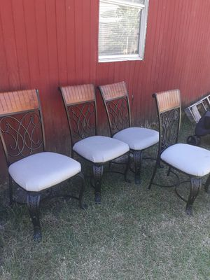 4 set Metal chairs for Sale in Houston, TX