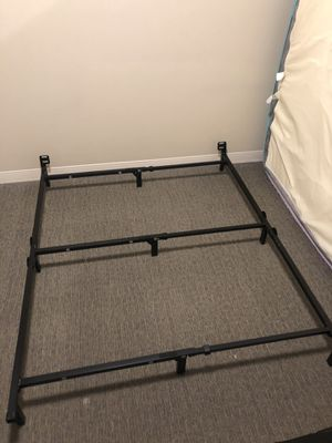 Queen bedframe (can be converted to twin and full too) for Sale in Pittsburgh, PA