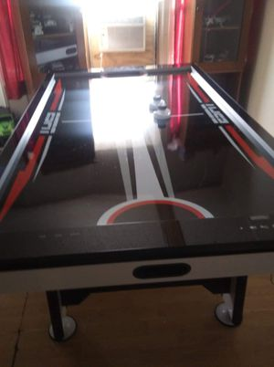 Air hockey table for Sale in Plant City, FL