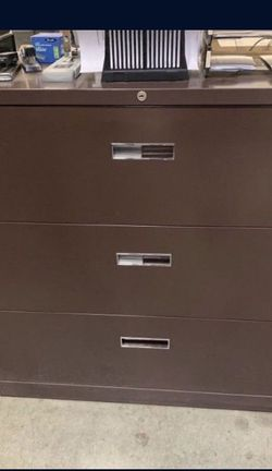 FREE 3 Drawer file Cabinet for Sale in Lynnwood,  WA